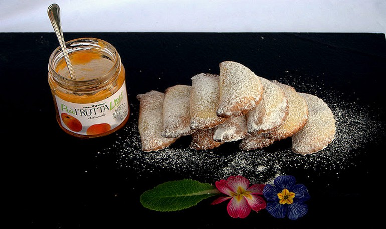 "Sweet ravioli stuffed with ""Più Frutta Light"" Apricot Vis Jam"