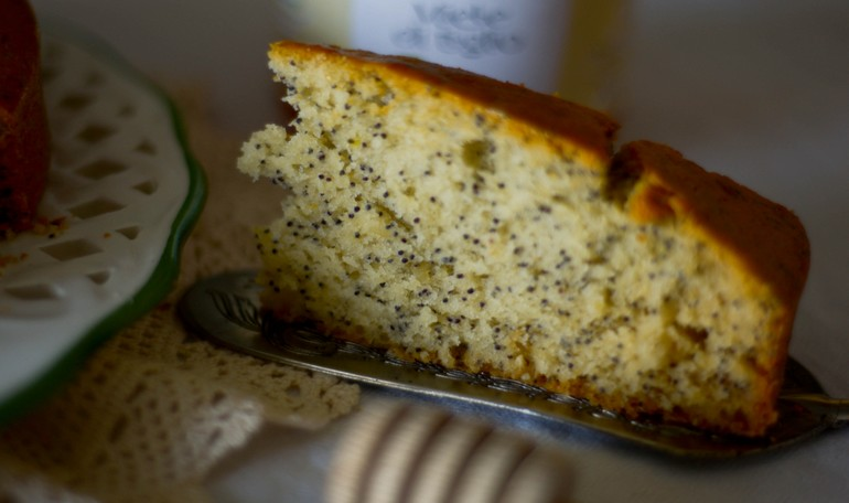 Cake with lime honey and poppy seeds