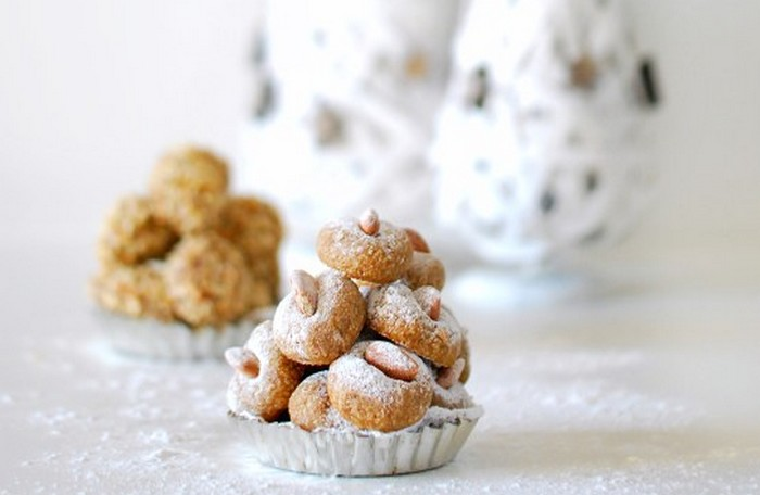 Paste di mandorla (Typical Sicilian Pastries) with hazelnuts