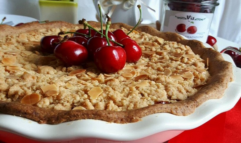 Cherry & Ricotta Crumble Pie
