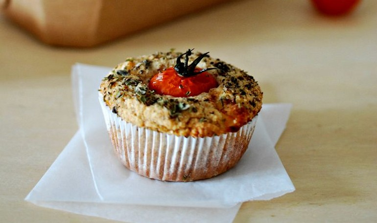 Mediterranean flavor muffin (eggs and butter free)